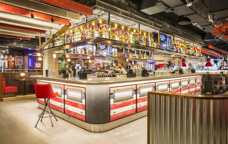 TGI Fridays Bar