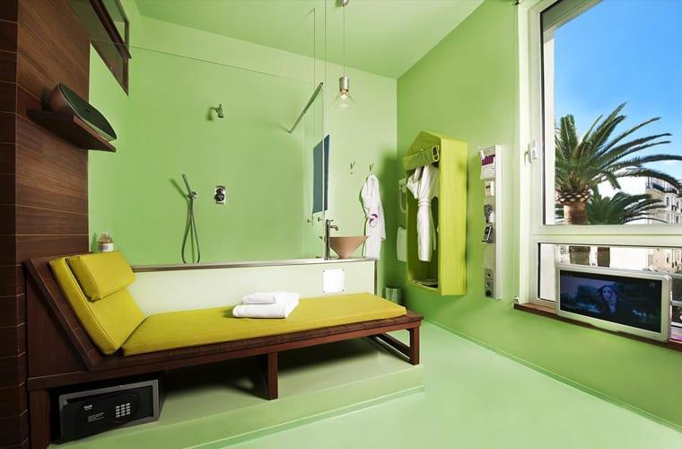 Hi Hotel in France