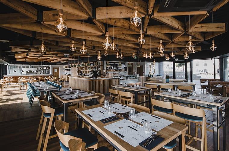 Rustic Restaurant Decor Theme