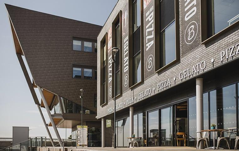 Bert's Pizzeria Hull Exterior