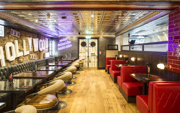 TGI Fridays Restaurant Fit Out
